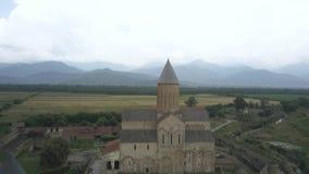 Vista aérea ao monastério um de Alaverdi dos objetos sagrados os mais grandes em Geórgia, situado na região de Kakheti video estoque