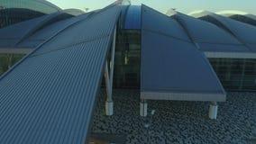 Vista aérea ao terminal do aeroporto de Platov filme