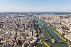 Vista aérea da arquitetura da cidade e do Seine River de Paris Fotos de Stock