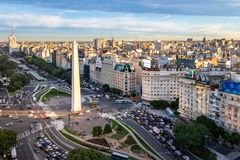 Vista aérea da avenida de Buenos Aires e de 9 de Julio - Buenos Aires, Argentina Imagem de Stock Royalty Free