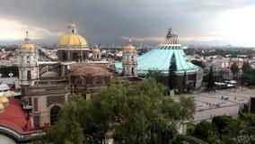 Vista aérea da basílica de nossa senhora de Guadalupe e do templo expiatório a Cristo o rei filme