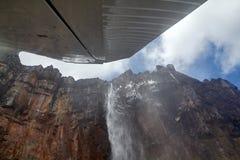 Vista aérea da Cataratas do Anjo do plano imagens de stock