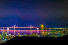 Vista aérea da cidade de Busan com a ponte de Gwangan na noite, Sout fotografia de stock