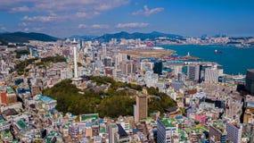 Vista aérea da cidade de Busan, Coreia do Sul Vista aérea do zangão fotos de stock