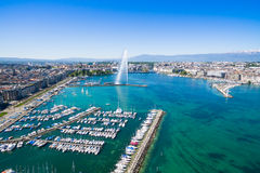 Vista aérea da cidade de Genebra - Suíça imagens de stock royalty free