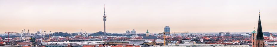 Vista aérea da cidade de Munich, Alemanha - todos os logotipos e marcas removido Fotos de Stock Royalty Free