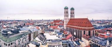Vista aérea da cidade de Munich, Alemanha - todos os logotipos e marcas removido Fotos de Stock