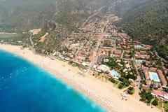 Vista aérea da cidade de Oludeniz e da praia, Turquia fotos de stock