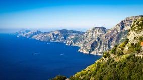 Vista aérea da cidade de Sorrento do litoral com seaview fotos de stock royalty free