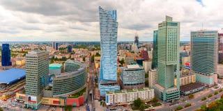 Vista aérea da cidade moderna em Varsóvia, Polônia fotografia de stock