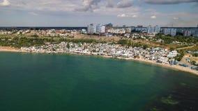 Vista aérea da cidade perto do Mar Negro fotos de stock royalty free