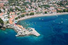 Vista aérea da cidade Petrovac, Montenegro Fotos de Stock