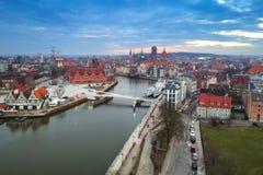 Vista aérea da cidade velha de Gdansk no por do sol Fotos de Stock Royalty Free