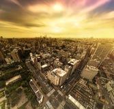 Vista aérea da estrada do cruzamento da rua de Korakuen no por do sol de fotografia de stock