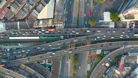 Vista aérea da estrada ocupada vídeos de arquivo