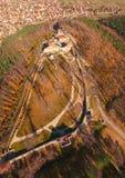 Vista aérea da fortaleza de Cari Mali Grad, Bulgária imagem de stock royalty free