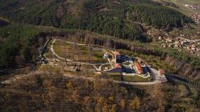 Vista aérea da fortaleza de Cari Mali Grad, Bulgária foto de stock royalty free