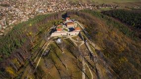 Vista aérea da fortaleza de Cari Mali Grad, Bulgária fotos de stock royalty free
