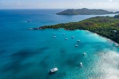 Vista aérea da ilha bonita em Seychelles no Oceano Índico Vista superior do zangão fotografia de stock