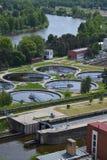 Vista aérea da planta de tratamento da água da água de esgoto Imagens de Stock
