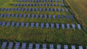 Vista aérea da planta solar vídeos de arquivo
