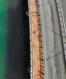 Vista aérea da ponte sobre a lagoa de Cancun imagens de stock