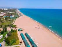 Vista aérea da praia no turco Riviera fotografia de stock