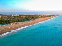 Vista aérea da praia no turco Riviera imagens de stock