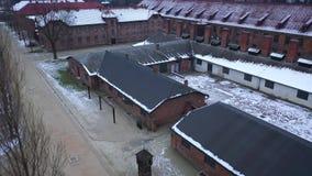 Vista aérea de Auschwitz Birkenau, un campo de concentración en Polonia metrajes