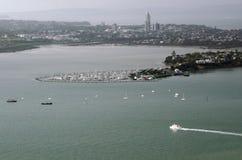 Vista aérea de barcos fuera de Takapuna en Auckland NZ Imagen de archivo libre de regalías