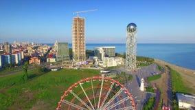 Vista aérea de Batumi metrajes