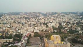 Vista aérea de Byblos - Jbeil en Líbano Ciudad histórica en el mar Mediterráneo en el Oriente Medio almacen de metraje de vídeo