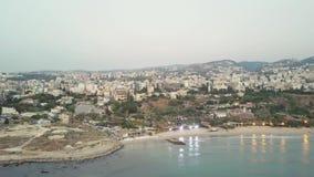 Vista aérea de Byblos - Jbeil en Líbano Ciudad histórica en el mar Mediterráneo en el Oriente Medio metrajes