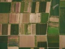 vista aérea de campos agrícolas bonitos, Europa imagens de stock royalty free