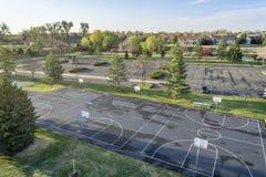 Vista aérea de canchas de básquet y del parque foto de archivo libre de regalías