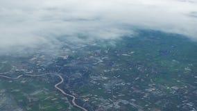 Vista aérea de Chao Phraya River y del pueblo almacen de video