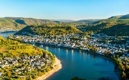 Vista aérea de cidades de Filsen e de Boppard com o Reno em Alemanha fotografia de stock royalty free