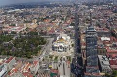 Vista aérea de Ciudad de México con Alameda, los artes de los bellas y el torre Imagen de archivo libre de regalías
