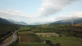 Vista aérea de colinas y de viñedos en el campo mediterráneo en el pirenáico del este, Francia almacen de video