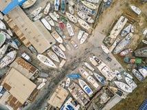 Vista aérea de diques seco y del astillero en Olhao, Portugal fotos de archivo