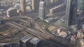 Vista aérea de Dubai céntrico con los rascacielos metrajes