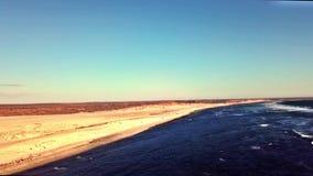 Vista aérea de dunas de areia e de praia, Gnaraloo, Austrália Ocidental video estoque