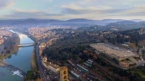 Vista aérea de Florencia, Italia en la puesta del sol almacen de metraje de vídeo
