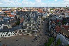 Vista aérea de Gante del campanario Ciudad Hall Stadhuis Gent y edificios históricos de Gante imagen de archivo