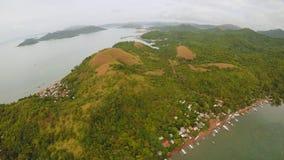 Vista aérea de ilhas pequenas Siete Pecados próximo na baía de Coron PALAWAN overcast video estoque