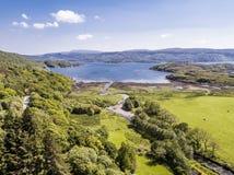 Vista aérea de la bahía de Glenmore, Ardnamurchan foto de archivo