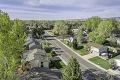 Vista aérea de la calle redintial en Fort Collins, Colorado Imagen de archivo libre de regalías