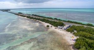 Vista aérea de la carretera de ultramar cerca de la playa de Anne, la Florida foto de archivo libre de regalías