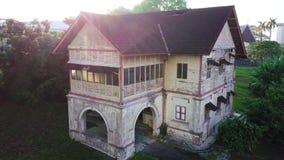 Vista aérea de la casa abandonada en Seremban Malasia almacen de metraje de vídeo