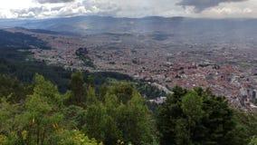 Vista aérea de la ciudad de Bogotá, Colombia metrajes
